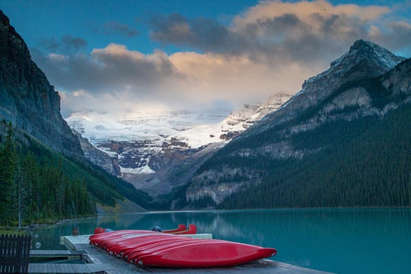 Boats_Chris_Gledhill_Red-canoes_UK
